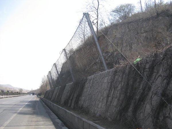 赤承高速5.8.10标边坡防护